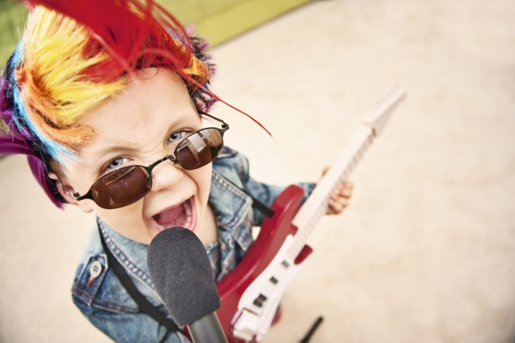 Toddler Rock & Roll (Photo: Imgorthand/iStock)