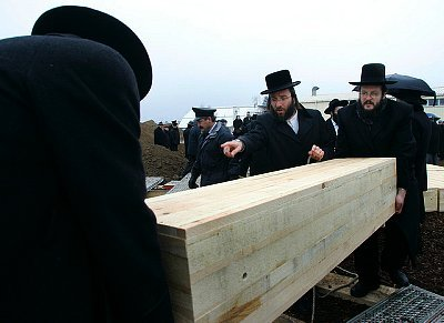 at jewish funerals why are the caskets closed don t most funerals