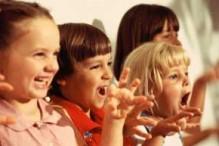 people-kids-singing1
