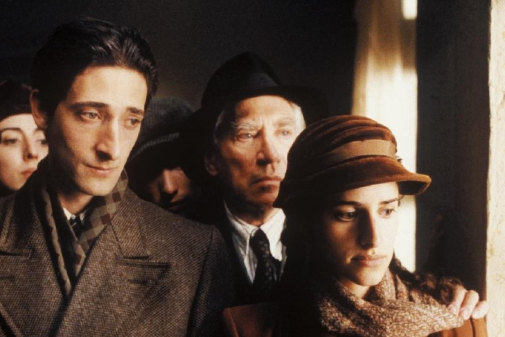 Adrien Brody and Jessica Kate Meyer in The Pianist