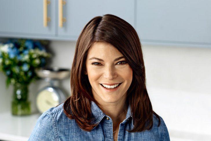 Gail+Kitchen_Eating+(web+res)[4]