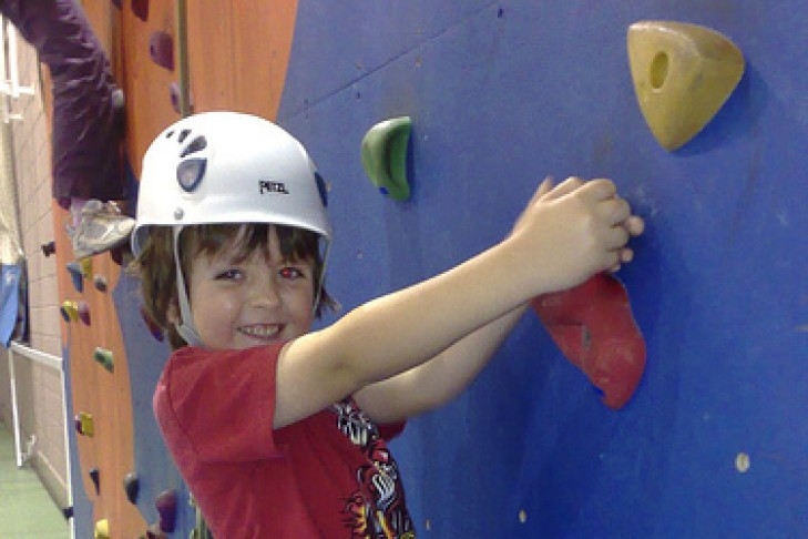 kid-climbing