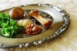 iStock.com/blueenayim