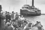 Immigration to Israel, 1947 (photo: The Palmach Archive)