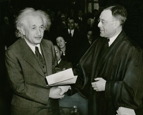 Genius Albert Einstein (Photo: Library of Congress/New York World-Telegram and the Sun staff photographer Al Aumuller)
