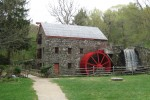 Wayside Inn Grist Mill (Photo: Dudesleeper/Wikimedia Commons)