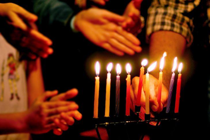 (Photo iStock/chameleonseye) & Quick and Easy Guide to Lighting the Menorah | JewishBoston azcodes.com