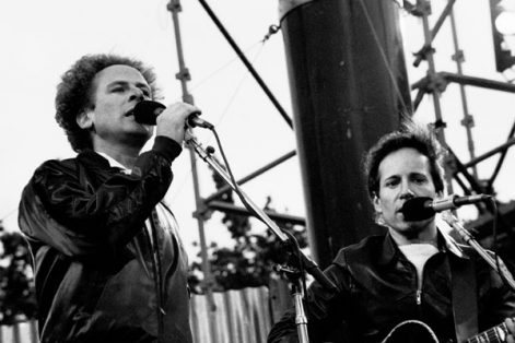 Simon and Garfunkel (Photo: monosnaps/Flickr)