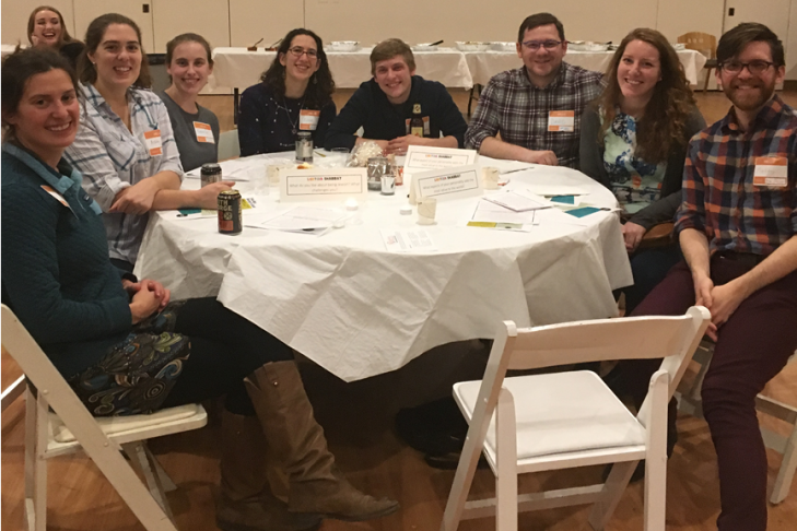 Participants enjoying Shabbat dinner together (Photo: Caroline Dorn)