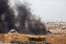 Israeli soldiers take positions as Palestinians gathered for a protest on the Israel-Gaza border on April 13, 2018, in Netivot, Israel. (Photo: Getty Images/Lior Mizrahi)