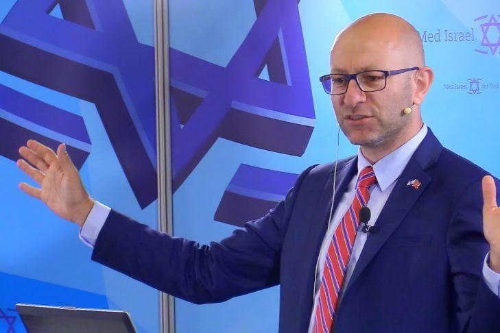 Arsen Ostrovsky (Video still)