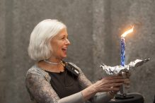 Rabbi Elaine Zecher (Photo by Billie Weiss/Temple Israel)