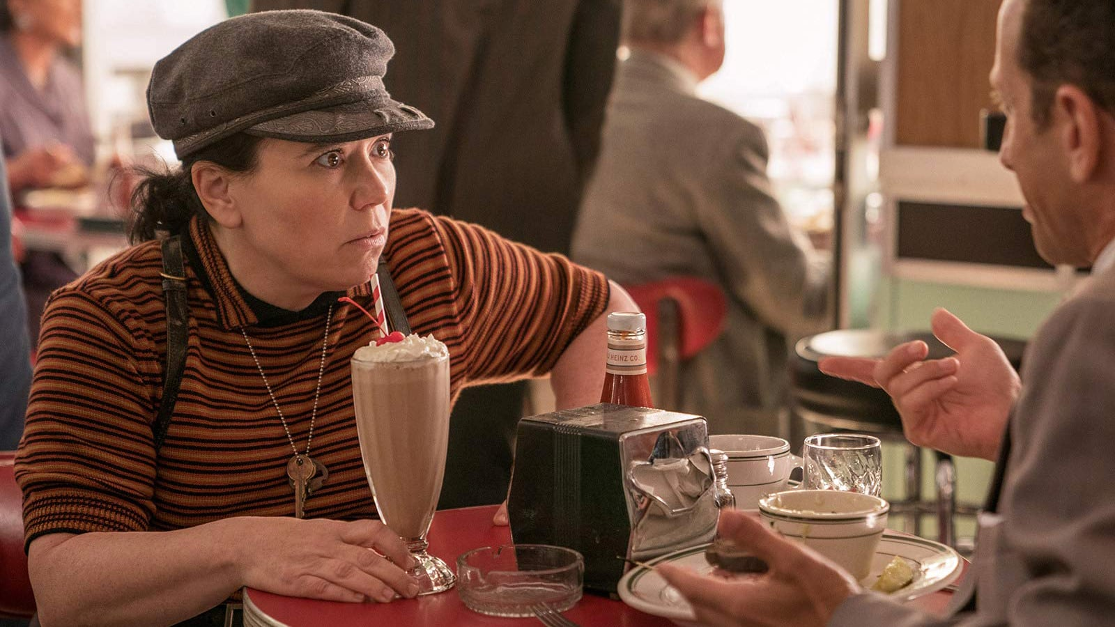 """Alex Borstein as Susie Myerson in """"The Marvelous Mrs. Maisel"""" (Promotional still)"""