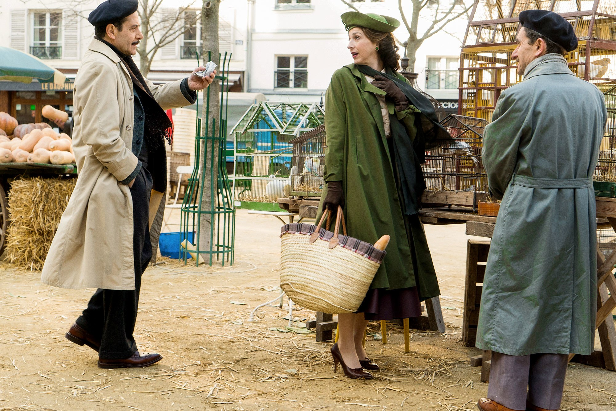 """Tony Shalhoub as Abe Weissman and Marin Hinkle as Rose Weissman in """"The Marvelous Mrs. Maisel"""" (Promotional still)"""