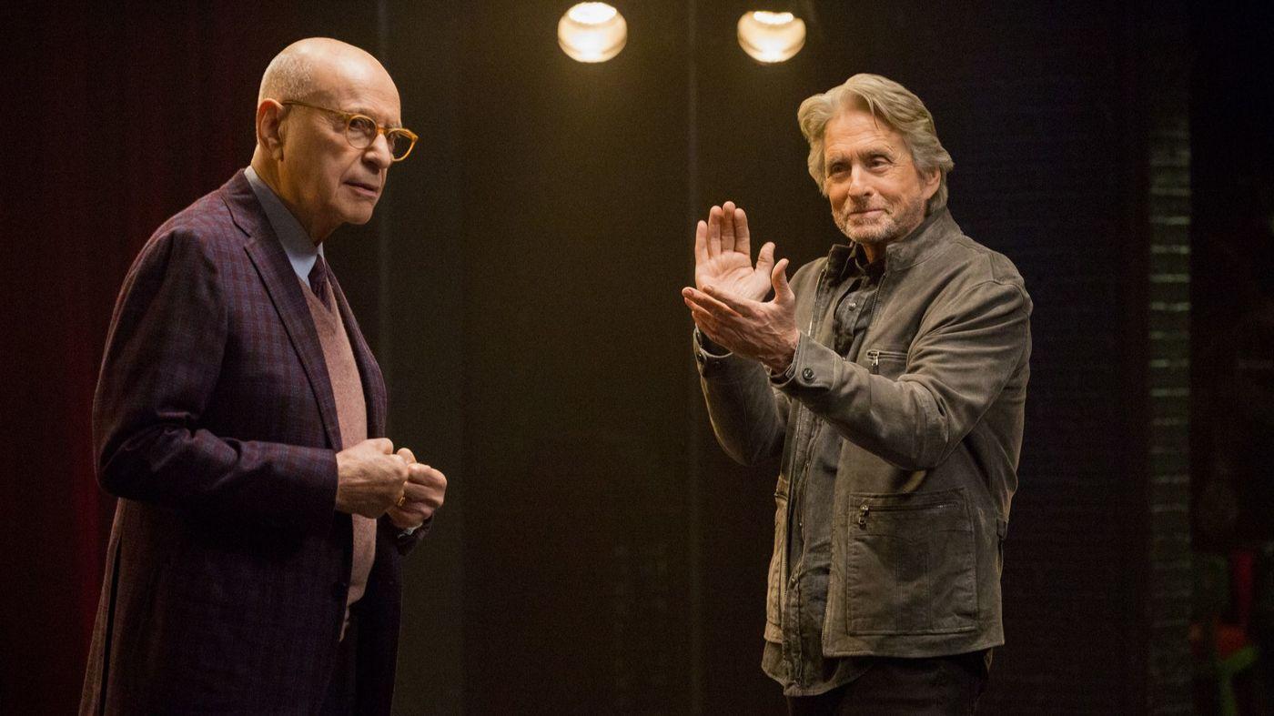 Alan Arkin and Michael Douglas in The Kominsky Method (Photo: Mike Yarish / Netflix)