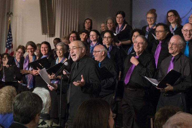 Joshua Jacobson making the chorus laugh (Photo: Mickey Goldin)