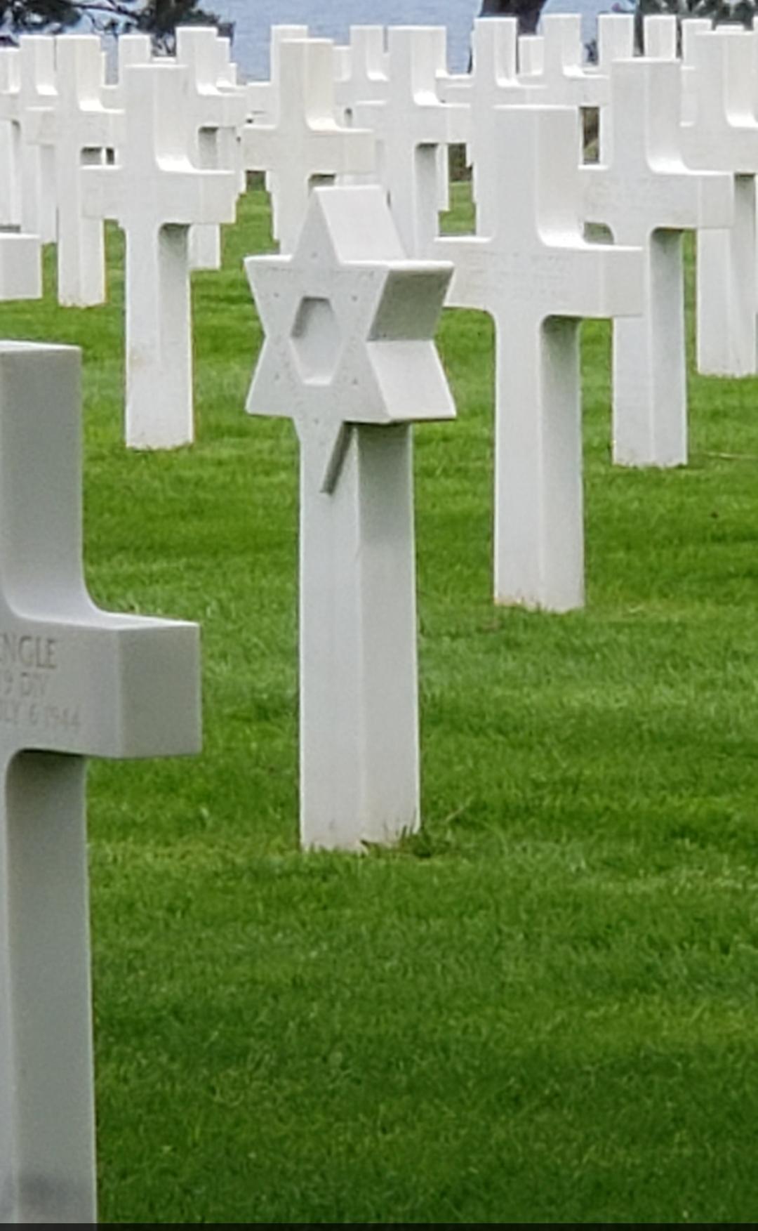 Jewish gravestones at the American cemetery in Normandy (Courtesy Susie Davidson)