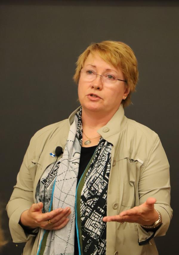 Corine Wegener_speaking