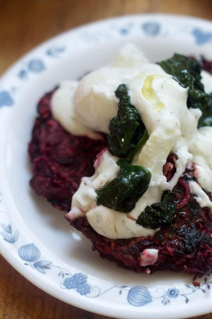 Blog226_Beet-latkes-with-creme-fraiche-and-dill12-2