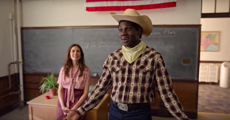 """Uchenna """"Conphidance"""" Echeazu in 'Little America' (Photo: AppleTV+)"""