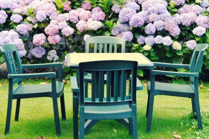 outdoor-furniture-picture-id470786589
