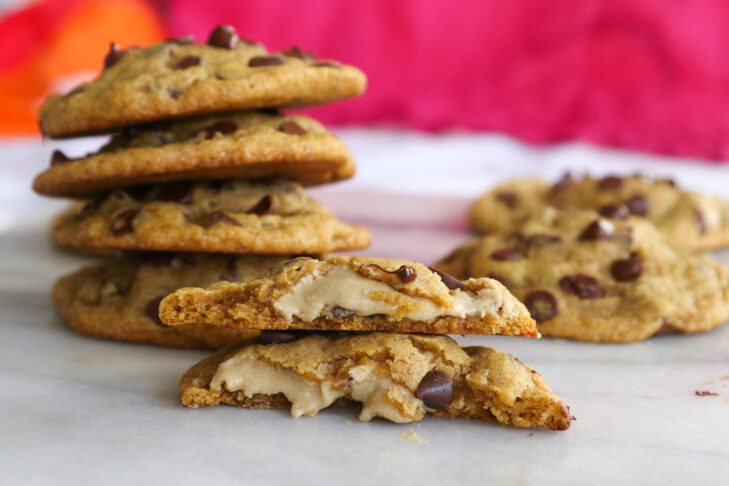 Tahini Stuffed Pumpkin Chocolate Chip Cookies_5