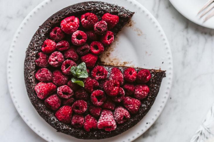 Fudgy Flourless Chocolate Cake_JFH_09