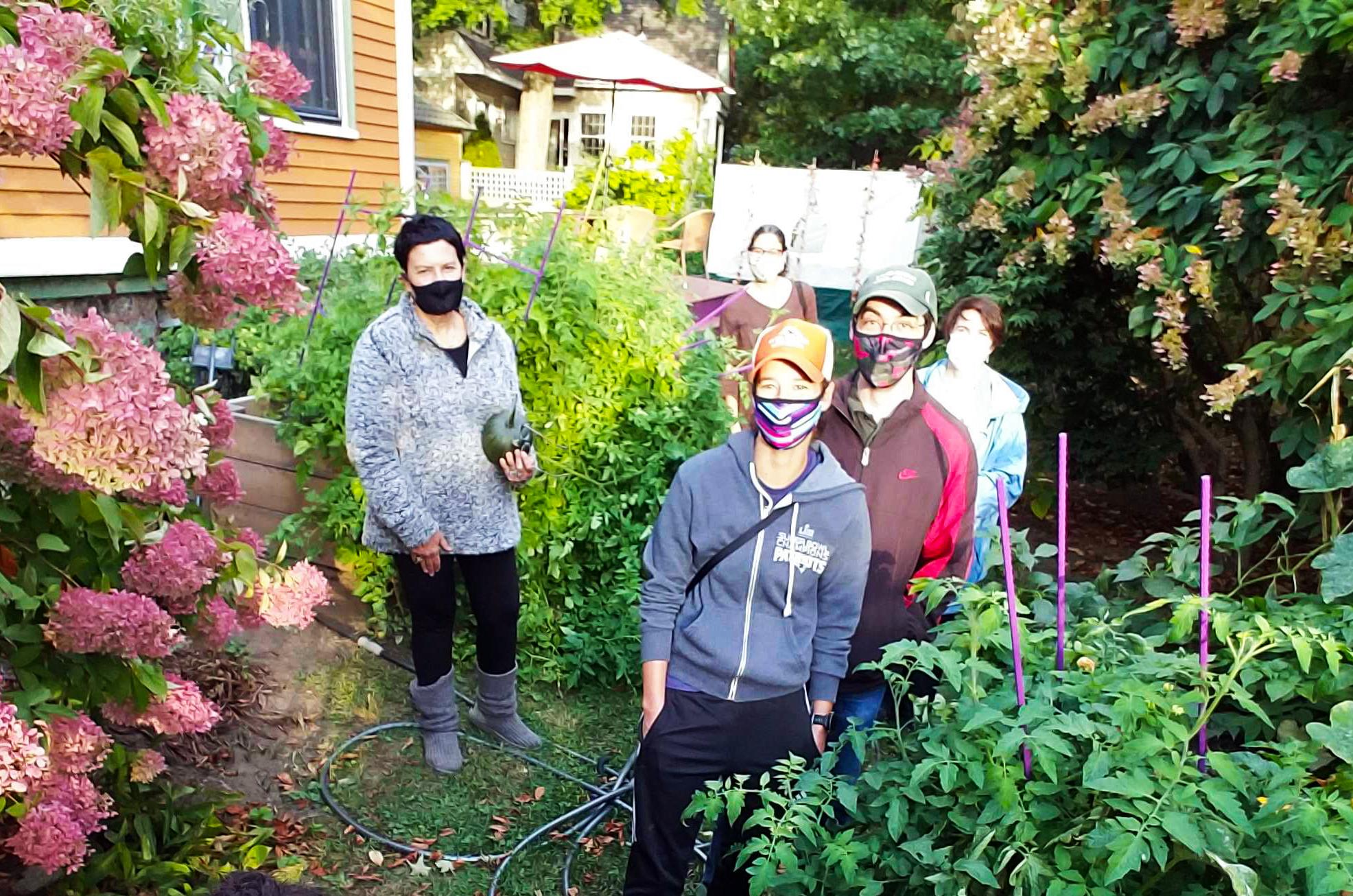 The Jewish Volunteer Gardening Brigade on a Sukkot garden visit (Photo: Leora Mallach)