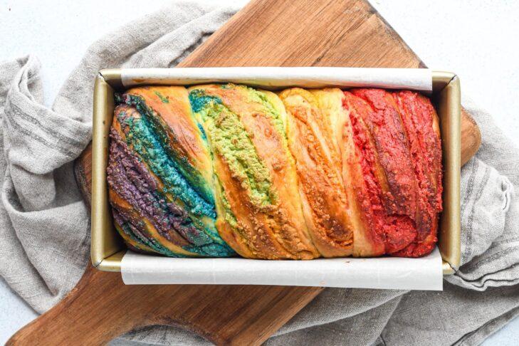 Rainbow babka
