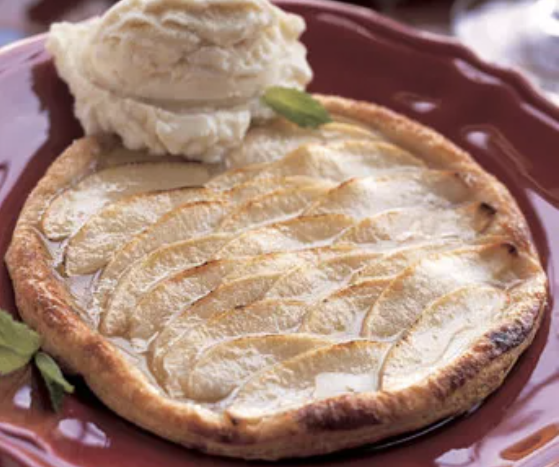 Puff pastry tarts with honey iced apples
