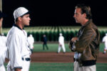 """Ray Liotta and Kevin Costner in """"Field of Dreams"""" (Courtesy: Universal/Everett Collection)"""
