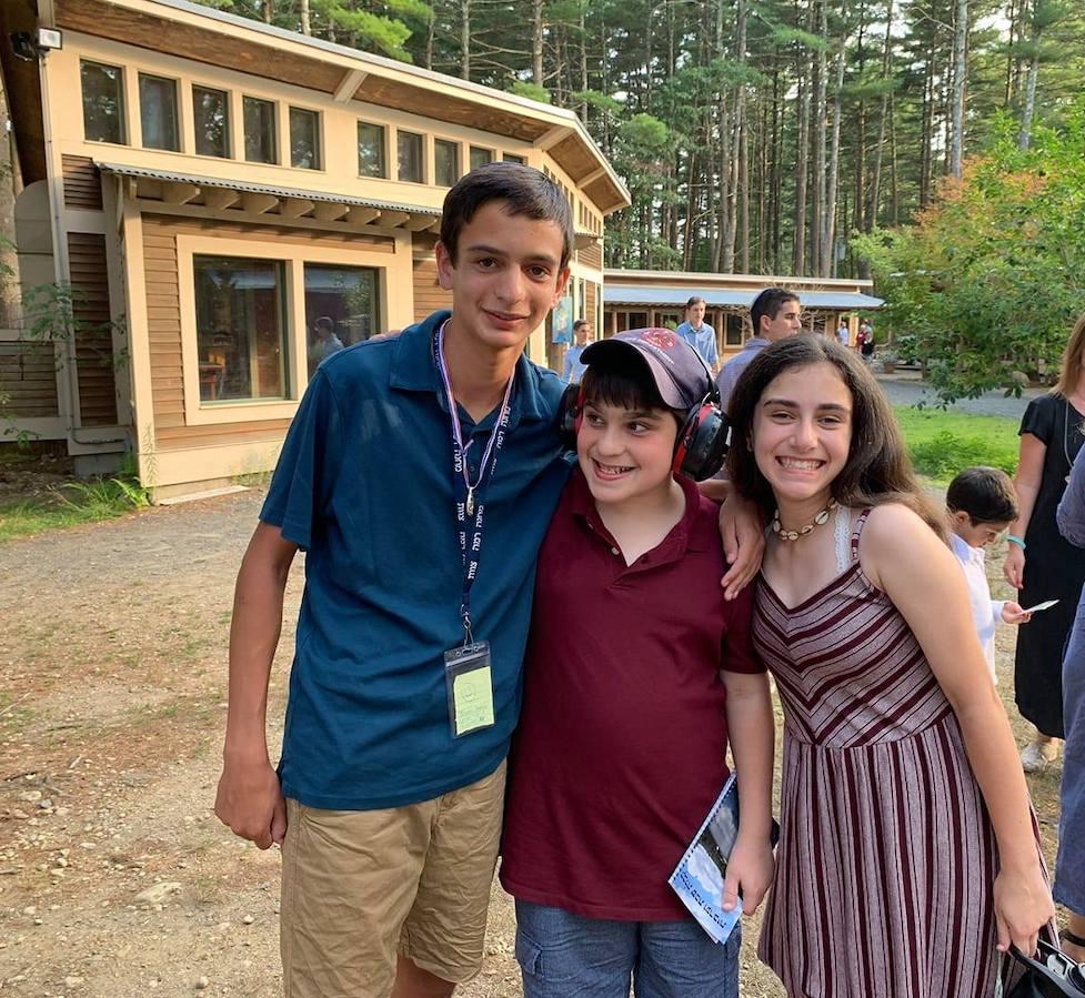 From left: Oscar, Saul and Bea Kardon (Courtesy Leah Sugarman)